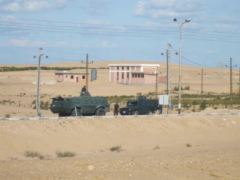 قوات أمن الانقلاب تداهم منزل أحد قيادات الإخوان بمركز بئرالعبد