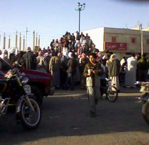 احتجاج اهالى المعتقلين فى ميدان الجورة