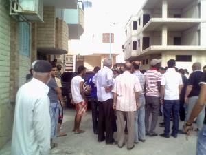 صورة لتجمع مواطنيين عند الشالية الذى تمت فيه الاشتباكات