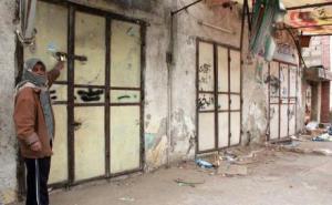 بعض المحلات التى تعرضت للسطو - تصوير ايمن محسن